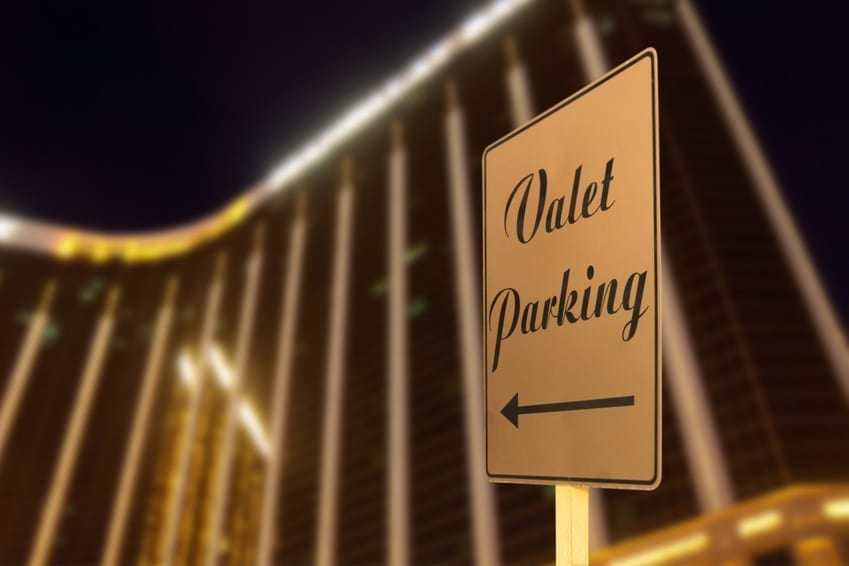 Four Ways Valet Parking Can Make Your Guests Feel Special